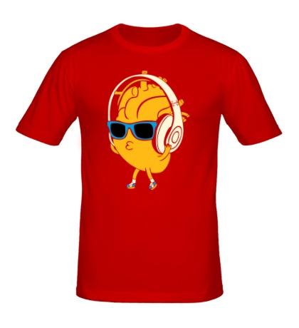 Мужская футболка Сердце в наушниках светится