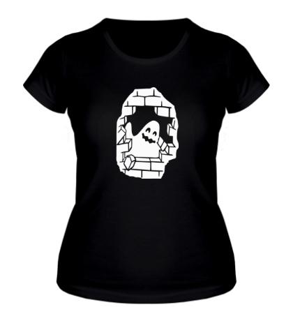 Женская футболка Привидение в стене