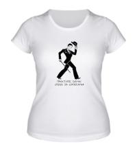 Женская футболка Спешу за сапогами