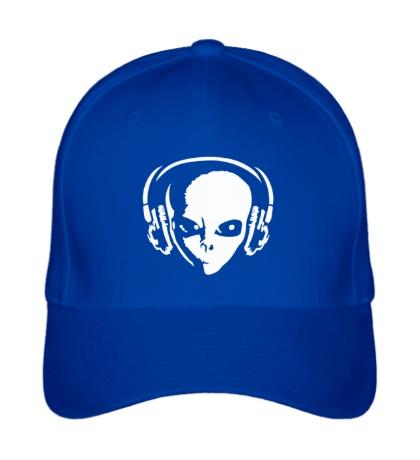 Бейсболка Инопланетянин в наушниках