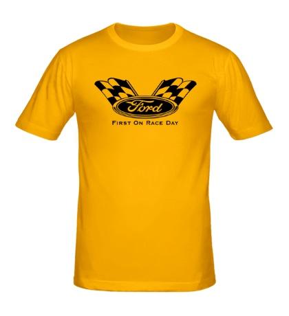 Мужская футболка Ford: First on race