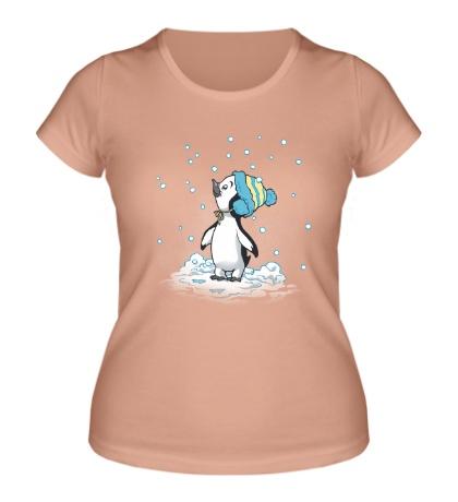 Женская футболка Первый снег пингвина