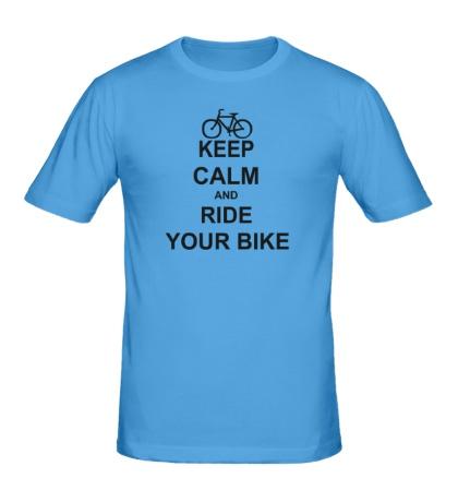 Мужская футболка Keep calm and ride your bike