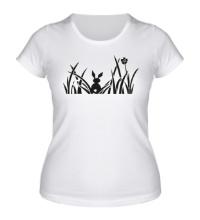 Женская футболка Зайчик в кустиках